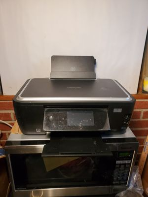 ***MALFUNCTIONING*** - Lexmark S605 Color Printer for Sale in White Plains, MD