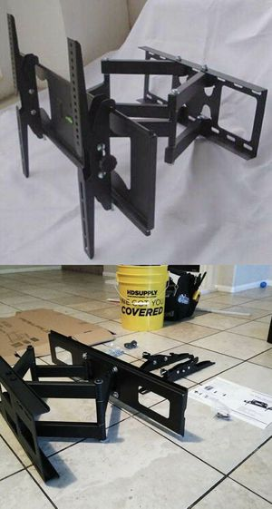 New Universal 32 to 65 inch tv television swivel tilt adjustable full motion tv television wall mount bracket 120 lbs capacity hardware and screws for Sale in Commerce, CA