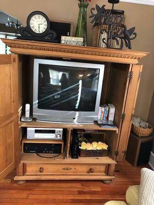 Wooden Dresser for Sale in Dearborn, MI