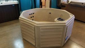BRAND NEW ZEN BRAND HOT TUB 110V for Sale in Phoenix, AZ