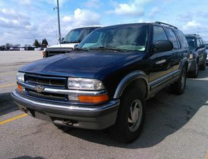 2000 Chevy Blazer LS 4 door for Sale in Chicago, IL