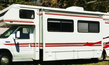 2003 Winnebago Itasca 29c for Sale in Miami,  FL