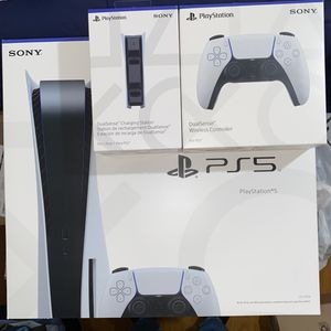 Sony PlayStation 5 Disc Console w/ Extra DualSense Controller & Charging Station for Sale in Claremont, CA