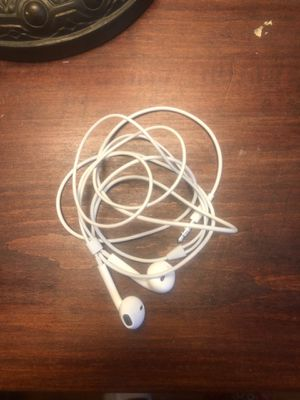 Apple buds aux jack for Sale in Lake, MS