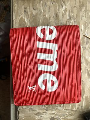 Supreme wallet for Sale in Richmond, VA