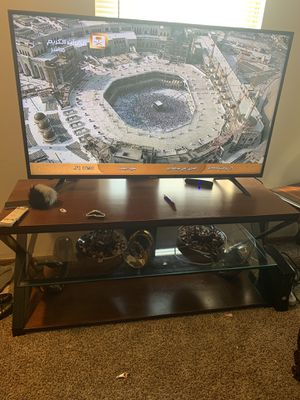 55inch tv and tv stand for Sale in Hilliard, OH