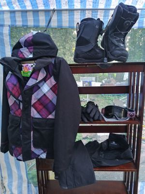 Womans size s/m Snowboarding gear for Sale in Portland, OR