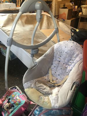 Baby swing for Sale in Bothell, WA