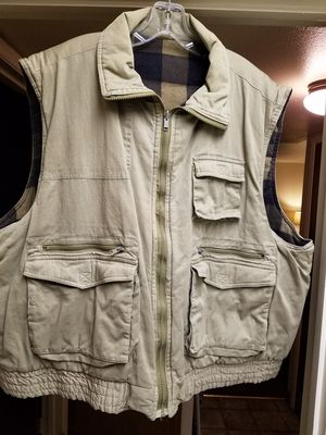 Beige Hunting/ Fishing Vest for Sale in Chico, CA