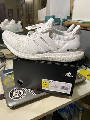 Adidas Ultraboost 1.0 Triple White Retro for Sale in Moreno Valley, CA