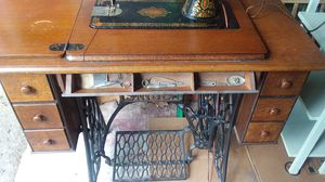 Antique singer pedal sewing machine for Sale in Townsend, MA