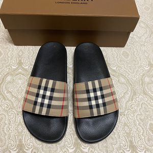 Burberry slides Women size 7 for Sale in Brooklyn, NY
