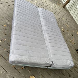 Futon Couch Bed for Sale in Snohomish, WA