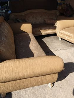 Nice Clean Couches for Sale in Los Angeles,  CA