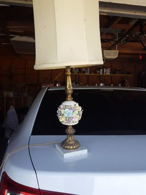 Antique lamp. It works for Sale in Sanger, CA