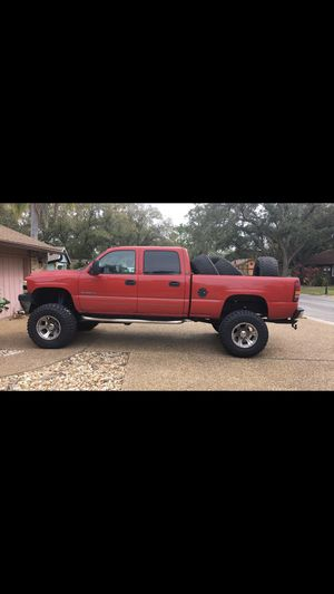 2001 chevy 2500hd 4x4 for Sale in Sarasota, FL