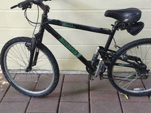 Mountain bike with lock for Sale in Sacramento, CA
