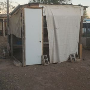 Free Chicken COOP OR materials In Peoria On 67th Ave And Bell Rd for Sale in Phoenix, AZ