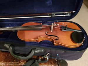 Violin hardly used for Sale in Morrow, OH
