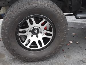 325/60/18 Fuel Rims with Toyo At for Sale in Kent, WA