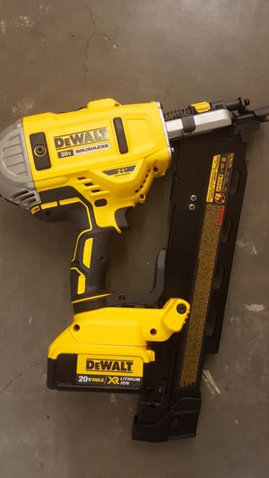 dewalts 20v brushless nailgun with 20vmax xr battery for Sale in Los Angeles, CA