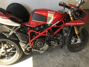 Salvage motorcycle bad engine I sell complete or parts for Sale in Los Angeles, CA