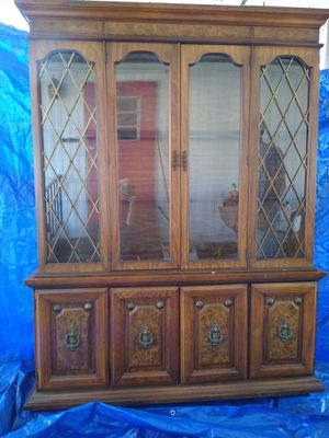 Antique China cabinet for Sale in St. Petersburg, FL