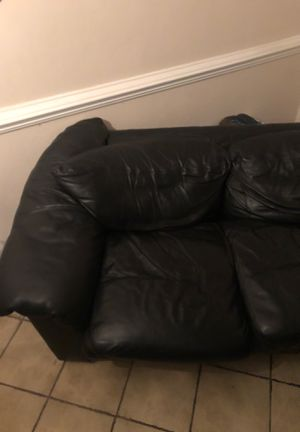 Genuine Black leather couch for Sale in Portsmouth, VA