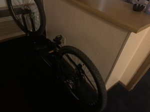 "Schwinn Men's High Timber Mountain Bicycle 18""/Medium Black 21 speed rear for Sale in Glendale, AZ"