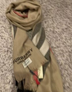 Burberry Scarf /shawl for Sale in Happy Valley,  OR