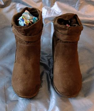 Shoes-American Eagle Suede Ankle Boots Size 8.5 for Sale in TN OF TONA, NY