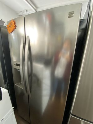 """KENMORE COMPACT 33""""in SIDE BY SIDE REFRIGERATOR for Sale in Diamond Bar, CA"""