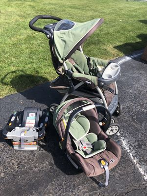 Chicco stroller, car seat and base for Sale in Westchester, IL