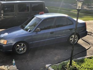 01 Hyundai Accent runs for Sale in Hartford, CT