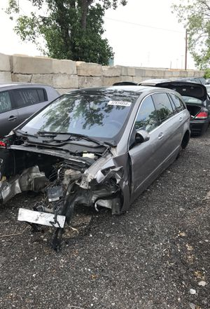 Selling parts for a tan 2007 Mercedes R 350 STK#1354 for Sale in Detroit, MI
