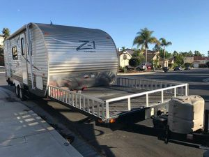 2014 Crossroads RV camper outdoor fun trailer Z1 toy hauler 36 ft for Sale in Oceanside, CA