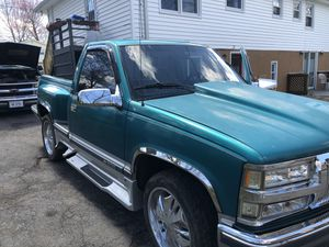 Chevy Silverado 1994 step side for Sale in Cromwell, CT