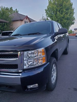 2010 Chevy Silverado extended cab for Sale in Redmond, OR