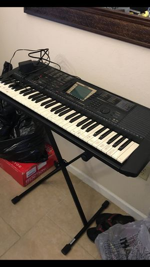 Yamaha PSR-530 Keybord Whit the Stand 🎹 $160 for Sale in Kissimmee, FL