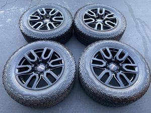 "(4) 20"" Black GMC Wheels + 275/60R20 Bridgestone A/T for Sale in Santa Ana, CA"