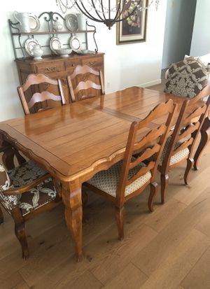 Ethan Allen Legacy Collection French Country Dining Table & Chairs for Sale in Phoenix, AZ