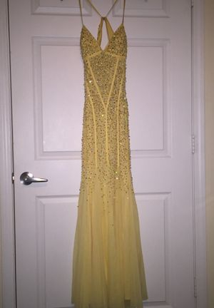 Cache sequin yellow mermaid prom dress for Sale in Fuquay Varina, NC