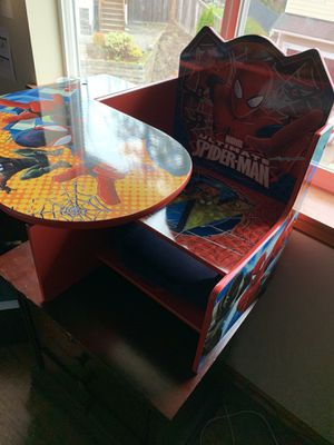 Spider kids desk and chair (Ages 2-6) for Sale in Lynnwood, WA
