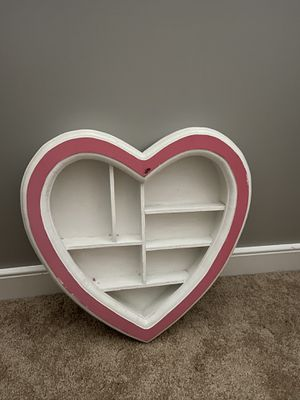 Heart shaped cute shelf - girls room for Sale in Powhatan, VA