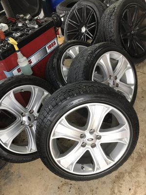 For sale land rover Range Rover 2013 supercharger 20 rims wheels and Michelin tires and lugs Rims and tires like new the lugs nuts are also new for Sale in Miami Gardens, FL