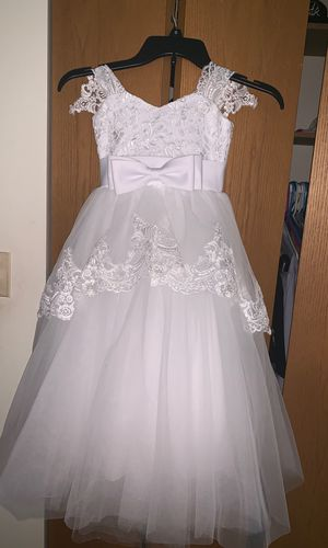 Baptism ,wedding ,flower girl ,first communion dress with bottom crinoline for Sale in Lyons, IL
