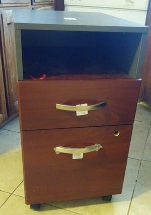 Nice wood side cabinet for Sale in Fresno, CA