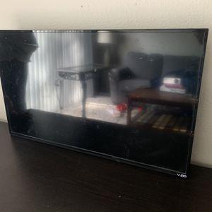 35' VZIO Smart Tv for Sale in Corona, CA