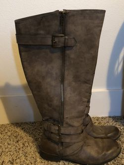 Knee-high wide calf Boots for Sale in Brothers,  OR