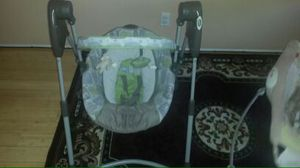 Graco: Baby Sway and Play Swing for Sale in Compton, CA